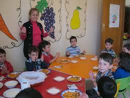 Çocukta Yaşa Göre Beslenme Nasıl Olmalı?